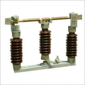 33 KV,800A ISOLATOR with EARTH BLADE with Structure