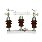 11 KV,400A ISOLATOR without EARTH BLADE with Structure